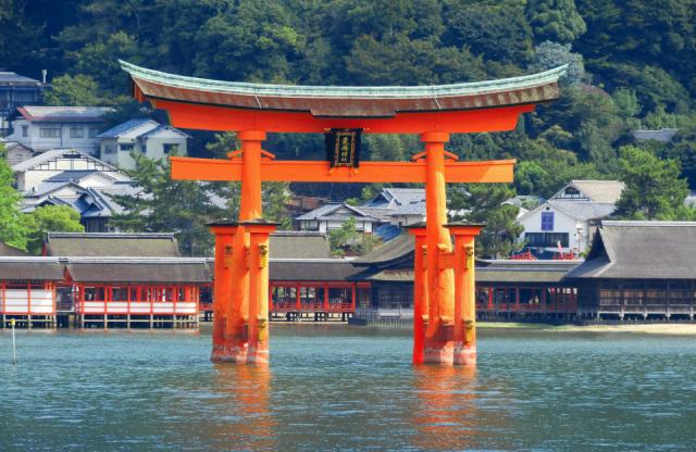 ศาลเจ้าอิสึคุชิมะ (Itsukushima Shrine)