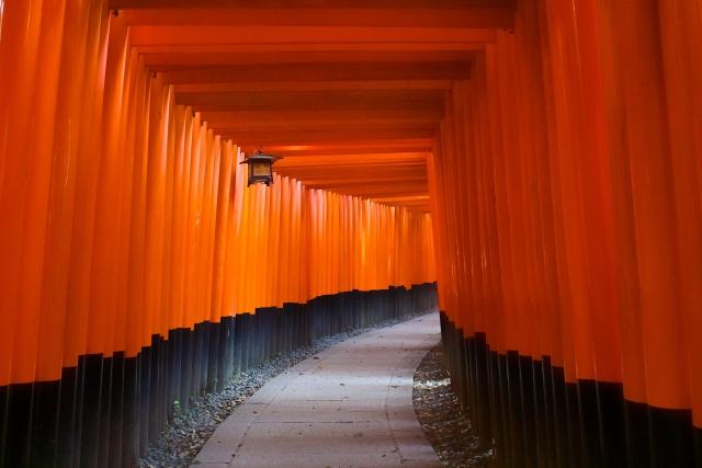 ศาลเจ้าฟูชิมิ อินาริ (Fushimi Inari Taisha)
