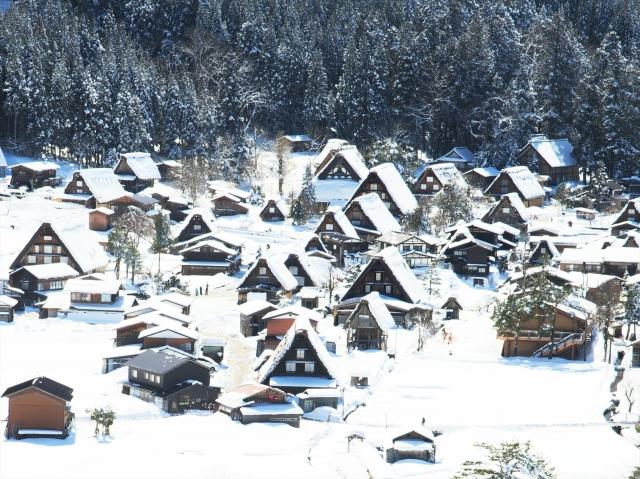 หมู่บ้านชิราคาวะโก (Shirakawa-go)